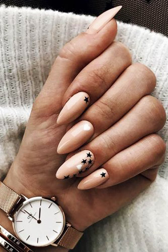 Best Almond Nails Art 2020
